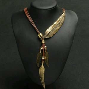 Jewelry - Gold color/brown Vintage Feather Bohemia Necklace